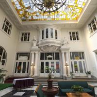 Grand Hotel Aranybika, отель в Дебрецене