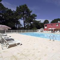 Appartement avec Terrasse et piscine, hotel in Carcans