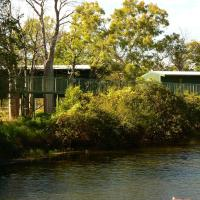 Parry Creek Farm Tourist Resort and Caravan Park, hotel near East Kimberley Regional Airport - KNX, Wyndham