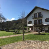 Apartamentos Irati, hotel in Espinal-Auzperri