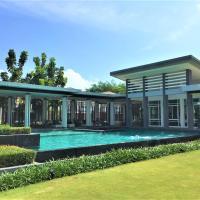 Three Bed Room Villa at Habitia Phuket, hotel in Phuket