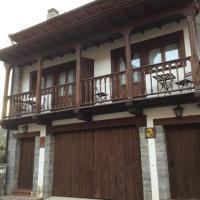Casa Rural Bermeja, hotel in Soto de Valdeón