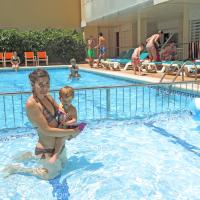 Apartaments Costa d'Or, hotel en Calafell