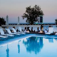 Poseidon Beach Hotel, хотел в Камари