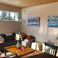 Kluane Green Sprout Vacation Home, hotel em Haines Junction