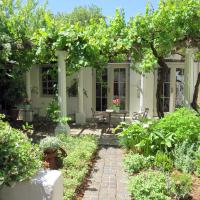 Au Pear Boutique Guest House, hotel in Newlands, Cape Town