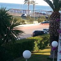 Laguna Beach, отель в городе Торрокс-Коста