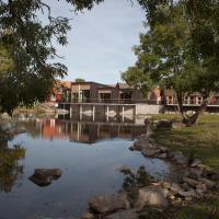 Eriksberg Hotel & Nature Reserve, hotell i Trensum