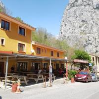 Hotel Garganta del Cares, hotel in Poncebos