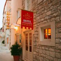 Hotel Villa Fontana, hotel in Trogir