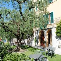 Hotel Tiziana Garnì, hôtel à Gargnano