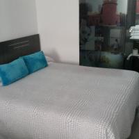Bed&Breakfast 10 GIRONA, отель в городе Жирона