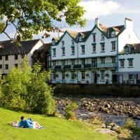 YHA Keswick </h2 </a <div class=sr-card__item sr-card__item--badges <div class= sr-card__badge sr-card__badge--class u-margin:0  data-ga-track=click data-ga-category=SR Card Click data-ga-action=Hotel rating data-ga-label=book_window: 11 day(s)  <span class=c-accommodation-classification-rating <span class=c-accommodation-classification-rating__badge c-accommodation-classification-rating__badge--stars   <span class=bui-rating bui-rating--smaller role=img aria-label=4 out of 5 <span aria-hidden=true class=bui-icon bui-rating__item bui-icon--medium role=presentation <svg xmlns=http://www.w3.org/2000/svg viewBox=0 0 24 24 focusable=false aria-hidden=true role=img <path d=M23.555,8.729a1.505,1.505,0,0,0-1.406-.98H16.062a.5.5,0,0,1-.472-.334L13.405,1.222a1.5,1.5,0,0,0-2.81,0l-.005.016L8.41,7.415a.5.5,0,0,1-.471.334H1.85A1.5,1.5,0,0,0,.887,10.4l5.184,4.3a.5.5,0,0,1,.155.543L4.048,21.774a1.5,1.5,0,0,0,2.31,1.684l5.346-3.92a.5.5,0,0,1,.591,0l5.344,3.919a1.5,1.5,0,0,0,2.312-1.683l-2.178-6.535a.5.5,0,0,1,.155-.543l5.194-4.306A1.5,1.5,0,0,0,23.555,8.729Z</path </svg </span <span aria-hidden=true class=bui-icon bui-rating__item bui-icon--medium role=presentation <svg xmlns=http://www.w3.org/2000/svg viewBox=0 0 24 24 focusable=false aria-hidden=true role=img <path d=M23.555,8.729a1.505,1.505,0,0,0-1.406-.98H16.062a.5.5,0,0,1-.472-.334L13.405,1.222a1.5,1.5,0,0,0-2.81,0l-.005.016L8.41,7.415a.5.5,0,0,1-.471.334H1.85A1.5,1.5,0,0,0,.887,10.4l5.184,4.3a.5.5,0,0,1,.155.543L4.048,21.774a1.5,1.5,0,0,0,2.31,1.684l5.346-3.92a.5.5,0,0,1,.591,0l5.344,3.919a1.5,1.5,0,0,0,2.312-1.683l-2.178-6.535a.5.5,0,0,1,.155-.543l5.194-4.306A1.5,1.5,0,0,0,23.555,8.729Z</path </svg </span <span aria-hidden=true class=bui-icon bui-rating__item bui-icon--medium role=presentation <svg xmlns=http://www.w3.org/2000/svg viewBox=0 0 24 24 focusable=false aria-hidden=true role=img <path d=M23.555,8.729a1.505,1.505,0,0,0-1.406-.98H16.062a.5.5,0,0,1-.472-.334L13.405,1.222a1.5,1.5,0,0,0-2.81,0l-.005.016L8.41,7.415a.5.5,0,0,1-.471.334H1.85A1.5,1.5,0,0,0,.887,10.4l5.184,4.3a.5.5,0,0,1,.155.543L4.048,21.774a1.5,1.5,0,0,0,2.31,1.684l5.346-3.92a.5.5,0,0,1,.591,0l5.344,3.919a1.5,1.5,0,0,0,2.312-1.683l-2.178-6.535a.5.5,0,0,1,.155-.543l5.194-4.306A1.5,1.5,0,0,0,23.555,8.729Z</path </svg </span <span aria-hidden=true class=bui-icon bui-rating__item bui-icon--medium role=presentation <svg xmlns=http://www.w3.org/2000/svg viewBox=0 0 24 24 focusable=false aria-hidden=true role=img <path d=M23.555,8.729a1.505,1.505,0,0,0-1.406-.98H16.062a.5.5,0,0,1-.472-.334L13.405,1.222a1.5,1.5,0,0,0-2.81,0l-.005.016L8.41,7.415a.5.5,0,0,1-.471.334H1.85A1.5,1.5,0,0,0,.887,10.4l5.184,4.3a.5.5,0,0,1,.155.543L4.048,21.774a1.5,1.5,0,0,0,2.31,1.684l5.346-3.92a.5.5,0,0,1,.591,0l5.344,3.919a1.5,1.5,0,0,0,2.312-1.683l-2.178-6.535a.5.5,0,0,1,.155-.543l5.194-4.306A1.5,1.5,0,0,0,23.555,8.729Z</path </svg </span </span </span </span </div   <div class=sr-card__item__review-score style=padding: 8px 0  <div class=bui-review-score c-score bui-review-score--inline bui-review-score--smaller <div class=bui-review-score__badge aria-label=Scored 9.1  9.1 </div <div class=bui-review-score__content <div class=bui-review-score__title Superb </div <div class=bui-review-score__text 617 reviews </div </div </div   </div </div <span data-et-view=NAFLeOeJOMOQeOESJMWSFEDacWXT:1 </span <div class=sr-card__item   data-ga-track=click data-ga-category=SR Card Click data-ga-action=Hotel location data-ga-label=book_window: 11 day(s)  <svg aria-hidden=true class=bk-icon -streamline-geo_pin sr_svg__card_icon focusable=false height=12 role=presentation width=12<use xlink:href=#icon-streamline-geo_pin</use</svg <div class= sr-card__item__content   12.3 km from you </div </div <span data-et-view=OLWQREDRETJUTGCdNJBcSTKe:1 OLWQREDRETJUTGCdNJBcSTKe:3</span <span data-et-view=ZVYSFXcLfOFfOBJOTXNAJbaOQQBC:1</span </div <div class= sr-card__price m_sr_card__price_with_unit_name sr-card-color-constructive-dark   <div class=m_sr_card__price_unit_name m_sr_card__price_small m_sr_card__price_unit_name-bold  Triple Room with Shared Bathroom </div <div class=mpc-wrapper bui-price-display mpc-sr-default-assembly-wrapper <div class=mpc-ltr-right-align-helper sr_price_wrap <div class=prco-js-headline-price mpc-inline-block-maker-helper bui-price-display__value mpc-color_dark-green-helper data-et-click= customGoal:OMeRQWNOTOOIeZNBAFVNaRe:2   TL 294 </div </div <div class=mpc-ltr-right-align-helper <div class=prd-taxes-and-fees-under-price mpc-inline-block-maker-helper blockuid- data-cur-stage=1 data-excl-charges-raw=  includes taxes and charges </div </div </div  <p class=m_sr_card_policies bui-f-color-constructive css-loading-hidden e2e-free-cancellation  <span class=sr-card__item--strongFREE cancellation</span   </p <p class=m_sr_card_policies bui-f-color-constructive css-loading-hidden e2e-no-prepayment  <span class=u-display-block u-font-weight-boldNO PREPAYMENT NEEDED</span - pay at the property </p  </div </div </div </li <li id=hotel_625066 data-is-in-favourites=0 data-hotel-id='625066' class=sr-card sr-card--arrow bui-card bui-u-bleed@small js-sr-card m_sr_info_icons card-halved card-halved--active   <div data-href=/hotel/gb/seacote.en-gb.html?label=gen173nr-1FCAQoggJCCmRpc3RyaWN0X1hICVgEaOQBiAEBmAEJuAEKyAEF2AEB6AEB-AEDiAIBqAIEuALW5fD9BcACAdICJDU1NmFlYTRlLWM2YmYtNGFjZC1hOWUwLTFhYWFjNzY5YmFlMtgCBeACAQ&sid=7a193ee868ab9f5fa2bec4a7c94e69b9&all_sr_blocks=62506609_88649017_0_0_0&checkin=2020-12-04&checkout=2020-12-05&dest_type=district&group_adults=2&group_children=0&hapos=2&highlighted_blocks=62506609_88649017_0_0_0&hpos=2&nflt=pri%3D&no_rooms=1&sr_order=price&sr_pri_blocks=62506609_88649017_0_0_0__2819&srepoch=1606169303&srpvid=3e6d9bab0d20001b&ucfs=1&matching_block_id=62506609_88649017_0_0_0&ref_is_wl=1&srhp=1 onclick=window.open(this.getAttribute('data-href')); target=_blank class=sr-card__row bui-card__content data-et-click=  <div class=sr-card__image js-sr_simple_card_hotel_image has-debolded-deal js-lazy-image sr-card__image--lazy data-src=https://cf.bstatic.com/xdata/images/hotel/square200/26538087.jpg?k=6fd338ebaf271b79a56e42ca97a84add3359c8ee3fb7bb963dabe333fc39fd37&o=&s=1,https://cf.bstatic.com/xdata/images/hotel/max1024x768/26538087.jpg?k=e35cacbc349b770aae4704a91283cbddeddcce001de96effbe2d1022f4d9d15a&o=&s=1  <div class=sr-card__image-inner css-loading-hidden </div <noscript <div class=sr-card__image--nojs style=background-image: url('https://cf.bstatic.com/xdata/images/hotel/square200/26538087.jpg?k=6fd338ebaf271b79a56e42ca97a84add3359c8ee3fb7bb963dabe333fc39fd37&o=&s=1')</div </noscript </div <div class=sr-card__details data-et-click=  <div class=sr-card_details__inner <a class=js-sr-hotel-link href=/hotel/gb/seacote.en-gb.html?label=gen173nr-1FCAQoggJCCmRpc3RyaWN0X1hICVgEaOQBiAEBmAEJuAEKyAEF2AEB6AEB-AEDiAIBqAIEuALW5fD9BcACAdICJDU1NmFlYTRlLWM2YmYtNGFjZC1hOWUwLTFhYWFjNzY5YmFlMtgCBeACAQ&sid=7a193ee868ab9f5fa2bec4a7c94e69b9&all_sr_blocks=62506609_88649017_0_0_0&checkin=2020-12-04&checkout=2020-12-05&dest_type=district&group_adults=2&group_children=0&hapos=2&highlighted_blocks=62506609_88649017_0_0_0&hpos=2&nflt=pri%3D&no_rooms=1&sr_order=price&sr_pri_blocks=62506609_88649017_0_0_0__2819&srepoch=1606169303&srpvid=3e6d9bab0d20001b&ucfs=1&matching_block_id=62506609_88649017_0_0_0&ref_is_wl=1&srhp=1 onclick=event.stopPropagation(); target=_blank <h2 class=sr-card__name u-margin:0 u-padding:0 data-ga-track=click data-ga-category=SR Card Click data-ga-action=Hotel name data-ga-label=book_window: 11 day(s)  Seacote Hotel </h2 </a <div class=sr-card__item sr-card__item--badges <div class=sr-card__item__review-score style=padding: 8px 0  <div class=bui-review-score c-score bui-review-score--inline bui-review-score--smaller <div class=bui-review-score__badge aria-label=Scored 8.3  8.3 </div <div class=bui-review-score__content <div class=bui-review-score__title Very good </div <div class=bui-review-score__text 628 reviews </div </div </div   </div </div <span data-et-view=NAFLeOeJOMOQeOESJMWSFEDacWXT:1 </span <div class=sr-card__item   data-ga-track=click data-ga-category=SR Card Click data-ga-action=Hotel location data-ga-label=book_window: 11 day(s)  <svg aria-hidden=true class=bk-icon -streamline-geo_pin sr_svg__card_icon focusable=false height=12 role=presentation width=12<use xlink:href=#icon-streamline-geo_pin</use</svg <div class= sr-card__item__content   21.9 km from you </div </div </div <div class= sr-card__price m_sr_card__price_with_unit_name sr-card-color-constructive-dark   <div class=m_sr_card__price_unit_name m_sr_card__price_small m_sr_card__price_unit_name-bold  Standard Double Room </div <div class=mpc-wrapper bui-price-display mpc-sr-default-assembly-wrapper <div class=mpc-ltr-right-align-helper sr_price_wrap <div class=bui-price-display__original mpc-color_dark-green-helper mpc-inline-block-maker-helper  aria-hidden=true onclick=event.preventDefault(); data-component=tooltip data-tooltip-text=You're getting a discount because this property is offering reduced rates on some rooms that match your search. data-et-click= customGoal:OMeRQWNOTOOIeZNBAFVNaRe:1   TL 304 </div <div class=prco-js-headline-price mpc-inline-block-maker-helper bui-price-display__value mpc-color_dark-green-helper data-et-click= customGoal:OMeRQWNOTOOIeZNBAFVNaRe:2   TL 286 </div </div <div class=mpc-ltr-right-align-helper <div class=prd-taxes-and-fees-under-price mpc-inline-block-maker-helper blockuid- data-cur-stage=1 data-excl-charges-raw=  includes taxes and charges </div </div </div </div </div </div </li <li class=sr-flexibility-banner-in-list <div class=bui-banner bui-u-margin-bottom--8 bui-u-bleed@small data-bui-component=Banner data-component=dismissible-item/block data-item-id=coronavirus_sr_flexibility_message  <div class=bui-banner__content <p class=bui-banner__text style=padding-right: 24px; Stay flexible with free cancellation.  <a class=bui-link bui-link--primary bui-f-font-body style=font-weight: 400; white-space: nowrap; href=https://m.booking.com/covid-19.html?aid=304142&label=gen173nr-1FCAQoggJCCmRpc3RyaWN0X1hICVgEaOQBiAEBmAEJuAEKyAEF2AEB6AEB-AEDiAIBqAIEuALW5fD9BcACAdICJDU1NmFlYTRlLWM2YmYtNGFjZC1hOWUwLTFhYWFjNzY5YmFlMtgCBeACAQ#covid19_faq_conditions target=_blank  Read more</a. </p <p class=bui-banner__text <a class=bui-link bui-link--primary style=font-weight: 400; href=/searchresults.en-gb.html?label=gen173nr-1FCAQoggJCCmRpc3RyaWN0X1hICVgEaOQBiAEBmAEJuAEKyAEF2AEB6AEB-AEDiAIBqAIEuALW5fD9BcACAdICJDU1NmFlYTRlLWM2YmYtNGFjZC1hOWUwLTFhYWFjNzY5YmFlMtgCBeACAQ;sid=7a193ee868ab9f5fa2bec4a7c94e69b9;tmpl=searchresults;age=0;checkin_year_month_monthday=2020-12-04;checkout_year_month_monthday=2020-12-05;class_interval=1;dest_type=district;inac=0;index_postcard=0;label_click=undef;landmark=27321;order=popularity;order=price_for_two;postcard=0;raw_dest_type=district;room1=A%2CA;sb_price_type=total;shw_aparth=1;slp_r_match=0;srpvid=3e6d9bab0d20001b;ss_all=0;ssb=empty;sshis=0;top_ufis=1&;nflt=fc%3D2%3B;rsf= data-sr-ajax  Only show properties with free cancellation </a </p </div <button class=bui-banner__close js-close data-bui-ref=banner-close aria-label=Close banner title=Close banner type=button  <svg class=bk-icon -streamline-close height=24 width=24<use xlink:href=#icon-streamline-close</use</svg </button </div </li <div data-et-view=bNXGDLWKXWUMKaGSSFOVT:1</div <li id=hotel_280083 data-is-in-favourites=0 data-hotel-id='280083' class=sr-card sr-card--arrow bui-card bui-u-bleed@small js-sr-card m_sr_info_icons card-halved card-halved--active   <div data-href=/hotel/gb/yha-ambleside.en-gb.html?label=gen173nr-1FCAQoggJCCmRpc3RyaWN0X1hICVgEaOQBiAEBmAEJuAEKyAEF2AEB6AEB-AEDiAIBqAIEuALW5fD9BcACAdICJDU1NmFlYTRlLWM2YmYtNGFjZC1hOWUwLTFhYWFjNzY5YmFlMtgCBeACAQ&sid=7a193ee868ab9f5fa2bec4a7c94e69b9&all_sr_blocks=28008306_93722877_0_0_0&checkin=2020-12-04&checkout=2020-12-05&dest_type=district&group_adults=2&group_children=0&hapos=3&highlighted_blocks=28008306_93722877_0_0_0&hpos=3&nflt=pri%3D&no_rooms=1&sr_order=price&sr_pri_blocks=28008306_93722877_0_0_0__3899&srepoch=1606169303&srpvid=3e6d9bab0d20001b&ucfs=1&matching_block_id=28008306_93722877_0_0_0&srhp=1&ref_is_wl=1 onclick=window.open(this.getAttribute('data-href')); target=_blank class=sr-card__row bui-card__content data-et-click=  <div class=sr-card__image js-sr_simple_card_hotel_image has-debolded-deal js-lazy-image sr-card__image--lazy data-src=https://cf.bstatic.com/xdata/images/hotel/square200/17719449.jpg?k=bd2c74e2bfa21441cf6e1f83ff1b92a4bc1efb2845f984c3bdca2a1695666d6d&o=&s=1,https://cf.bstatic.com/xdata/images/hotel/max1024x768/17719449.jpg?k=35c3955ae1295a249520bda690745fe68d6d8d5a291818bbf39f10a0be41760e&o=&s=1  <div class=sr-card__image-inner css-loading-hidden </div <noscript <div class=sr-card__image--nojs style=background-image: url('https://cf.bstatic.com/xdata/images/hotel/square200/17719449.jpg?k=bd2c74e2bfa21441cf6e1f83ff1b92a4bc1efb2845f984c3bdca2a1695666d6d&o=&s=1')</div </noscript </div <div class=sr-card__details data-et-click=  <div class=sr-card_details__inner <a class=js-sr-hotel-link href=/hotel/gb/yha-ambleside.en-gb.html?label=gen173nr-1FCAQoggJCCmRpc3RyaWN0X1hICVgEaOQBiAEBmAEJuAEKyAEF2AEB6AEB-AEDiAIBqAIEuALW5fD9BcACAdICJDU1NmFlYTRlLWM2YmYtNGFjZC1hOWUwLTFhYWFjNzY5YmFlMtgCBeACAQ&sid=7a193ee868ab9f5fa2bec4a7c94e69b9&all_sr_blocks=28008306_93722877_0_0_0&checkin=2020-12-04&checkout=2020-12-05&dest_type=district&group_adults=2&group_children=0&hapos=3&highlighted_blocks=28008306_93722877_0_0_0&hpos=3&nflt=pri%3D&no_rooms=1&sr_order=price&sr_pri_blocks=28008306_93722877_0_0_0__3899&srepoch=1606169303&srpvid=3e6d9bab0d20001b&ucfs=1&matching_block_id=28008306_93722877_0_0_0&srhp=1&ref_is_wl=1 onclick=event.stopPropagation(); target=_blank <h2 class=sr-card__name u-margin:0 u-padding:0 data-ga-track=click data-ga-category=SR Card Click data-ga-action=Hotel name data-ga-label=book_window: 11 day(s)  YHA Ambleside </h2 </a <div class=sr-card__item sr-card__item--badges <div class= sr-card__badge sr-card__badge--class u-margin:0  data-ga-track=click data-ga-category=SR Card Click data-ga-action=Hotel rating data-ga-label=book_window: 11 day(s)  <span class=c-accommodation-classification-rating <span class=c-accommodation-classification-rating__badge c-accommodation-classification-rating__badge--stars   <span class=bui-rating bui-rating--smaller role=img aria-label=4 out of 5 <span aria-hidden=true class=bui-icon bui-rating__item bui-icon--medium role=presentation <svg xmlns=http://www.w3.org/2000/svg viewBox=0 0 24 24 focusable=false aria-hidden=true role=img <path d=M23.555,8.729a1.505,1.505,0,0,0-1.406-.98H16.062a.5.5,0,0,1-.472-.334L13.405,1.222a1.5,1.5,0,0,0-2.81,0l-.005.016L8.41,7.415a.5.5,0,0,1-.471.334H1.85A1.5,1.5,0,0,0,.887,10.4l5.184,4.3a.5.5,0,0,1,.155.543L4.048,21.774a1.5,1.5,0,0,0,2.31,1.684l5.346-3.92a.5.5,0,0,1,.591,0l5.344,3.919a1.5,1.5,0,0,0,2.312-1.683l-2.178-6.535a.5.5,0,0,1,.155-.543l5.194-4.306A1.5,1.5,0,0,0,23.555,8.729Z</path </svg </span <span aria-hidden=true class=bui-icon bui-rating__item bui-icon--medium role=presentation <svg xmlns=http://www.w3.org/2000/svg viewBox=0 0 24 24 focusable=false aria-hidden=true role=img <path d=M23.555,8.729a1.505,1.505,0,0,0-1.406-.98H16.062a.5.5,0,0,1-.472-.334L13.405,1.222a1.5,1.5,0,0,0-2.81,0l-.005.016L8.41,7.415a.5.5,0,0,1-.471.334H1.85A1.5,1.5,0,0,0,.887,10.4l5.184,4.3a.5.5,0,0,1,.155.543L4.048,21.774a1.5,1.5,0,0,0,2.31,1.684l5.346-3.92a.5.5,0,0,1,.591,0l5.344,3.919a1.5,1.5,0,0,0,2.312-1.683l-2.178-6.535a.5.5,0,0,1,.155-.543l5.194-4.306A1.5,1.5,0,0,0,23.555,8.729Z</path </svg </span <span aria-hidden=true class=bui-icon bui-rating__item bui-icon--medium role=presentation <svg xmlns=http://www.w3.org/2000/svg viewBox=0 0 24 24 focusable=false aria-hidden=true role=img <path d=M23.555,8.729a1.505,1.505,0,0,0-1.406-.98H16.062a.5.5,0,0,1-.472-.334L13.405,1.222a1.5,1.5,0,0,0-2.81,0l-.005.016L8.41,7.415a.5.5,0,0,1-.471.334H1.85A1.5,1.5,0,0,0,.887,10.4l5.184,4.3a.5.5,0,0,1,.155.543L4.048,21.774a1.5,1.5,0,0,0,2.31,1.684l5.346-3.92a.5.5,0,0,1,.591,0l5.344,3.919a1.5,1.5,0,0,0,2.312-1.683l-2.178-6.535a.5.5,0,0,1,.155-.543l5.194-4.306A1.5,1.5,0,0,0,23.555,8.729Z</path </svg </span <span aria-hidden=true class=bui-icon bui-rating__item bui-icon--medium role=presentation <svg xmlns=http://www.w3.org/2000/svg viewBox=0 0 24 24 focusable=false aria-hidden=true role=img <path d=M23.555,8.729a1.505,1.505,0,0,0-1.406-.98H16.062a.5.5,0,0,1-.472-.334L13.405,1.222a1.5,1.5,0,0,0-2.81,0l-.005.016L8.41,7.415a.5.5,0,0,1-.471.334H1.85A1.5,1.5,0,0,0,.887,10.4l5.184,4.3a.5.5,0,0,1,.155.543L4.048,21.774a1.5,1.5,0,0,0,2.31,1.684l5.346-3.92a.5.5,0,0,1,.591,0l5.344,3.919a1.5,1.5,0,0,0,2.312-1.683l-2.178-6.535a.5.5,0,0,1,.155-.543l5.194-4.306A1.5,1.5,0,0,0,23.555,8.729Z</path </svg </span </span </span </span </div   <div class=sr-card__item__review-score style=padding: 8px 0  <div class=bui-review-score c-score bui-review-score--inline bui-review-score--smaller <div class=bui-review-score__badge aria-label=Scored 8.9  8.9 </div <div class=bui-review-score__content <div class=bui-review-score__title Fabulous </div <div class=bui-review-score__text 1,580 reviews </div </div </div   </div </div <span data-et-view=NAFLeOeJOMOQeOESJMWSFEDacWXT:1 </span <div class=sr-card__item   data-ga-track=click data-ga-category=SR Card Click data-ga-action=Hotel location data-ga-label=book_window: 11 day(s)  <svg aria-hidden=true class=bk-icon -streamline-geo_pin sr_svg__card_icon focusable=false height=12 role=presentation width=12<use xlink:href=#icon-streamline-geo_pin</use</svg <div class= sr-card__item__content   23 km from you </div </div <span data-et-view=OLWQREDRETJUTGCdNJBcSTKe:1 OLWQREDRETJUTGCdNJBcSTKe:3</span <span data-et-view=HZUaYHUWXKbYVYJcfLCHT:8</span <div class=sr-card__item    <svg aria-hidden=true class=bk-icon -streamline-clock sr_svg__card_icon focusable=false height=12 role=presentation width=12<use xlink:href=#icon-streamline-clock</use</svg <div class= sr-card__item__content   Last booked for your dates 37 minutes ago on our site </div </div </div <div class= sr-card__price m_sr_card__price_with_unit_name sr-card-color-constructive-dark   <div class=m_sr_card__price_unit_name m_sr_card__price_small m_sr_card__price_unit_name-bold  Quadruple Room with Shared Bathroom </div <div class=mpc-wrapper bui-price-display mpc-sr-default-assembly-wrapper <div class=mpc-ltr-right-align-helper sr_price_wrap <div class=prco-js-headline-price mpc-inline-block-maker-helper bui-price-display__value mpc-color_dark-green-helper data-et-click= customGoal:OMeRQWNOTOOIeZNBAFVNaRe:2   TL 395 </div </div <div class=mpc-ltr-right-align-helper <div class=prd-taxes-and-fees-under-price mpc-inline-block-maker-helper blockuid- data-cur-stage=1 data-excl-charges-raw=  includes taxes and charges </div </div </div <p class=urgency_price   <span class=sr_simple_card_price_from sr_simple_card_price_includes--text data-ga-track=click data-ga-category=SR Card Click data-ga-action=Hotel price persuasion data-ga-label=book_window: 11 day(s)  <span class=u-font-weight-bold Only 1 left like this on our site </span </span </p  <p class=m_sr_card_policies bui-f-color-constructive css-loading-hidden e2e-free-cancellation  <span class=sr-card__item--strongFREE cancellation</span   </p <p class=m_sr_card_policies bui-f-color-constructive css-loading-hidden e2e-no-prepayment  <span class=u-display-block u-font-weight-boldNO PREPAYMENT NEEDED</span - pay at the property </p  </div </div </div </li <div id=cQHYYfPYTfNKMO data-et-view=cQHYYfPYTfNKMO:1 </div <li id=hotel_2913233 data-is-in-favourites=0 data-hotel-id='2913233' class=sr-card sr-card--arrow bui-card bui-u-bleed@small js-sr-card m_sr_info_icons card-halved card-halved--active   <div data-href=/hotel/gb/the-globe-inn-gosforth.en-gb.html?label=gen173nr-1FCAQoggJCCmRpc3RyaWN0X1hICVgEaOQBiAEBmAEJuAEKyAEF2AEB6AEB-AEDiAIBqAIEuALW5fD9BcACAdICJDU1NmFlYTRlLWM2YmYtNGFjZC1hOWUwLTFhYWFjNzY5YmFlMtgCBeACAQ&sid=7a193ee868ab9f5fa2bec4a7c94e69b9&all_sr_blocks=291323301_109132852_0_0_0&checkin=2020-12-04&checkout=2020-12-05&dest_type=district&group_adults=2&group_children=0&hapos=4&highlighted_blocks=291323301_109132852_0_0_0&hpos=4&nflt=pri%3D&no_rooms=1&sr_order=price&sr_pri_blocks=291323301_109132852_0_0_0__4606&srepoch=1606169303&srpvid=3e6d9bab0d20001b&ucfs=1&matching_block_id=291323301_109132852_0_0_0&srhp=1&ref_is_wl=1 onclick=window.open(this.getAttribute('data-href')); target=_blank class=sr-card__row bui-card__content data-et-click=  <div class=sr-card__image js-sr_simple_card_hotel_image has-debolded-deal js-lazy-image sr-card__image--lazy data-src=https://cf.bstatic.com/xdata/images/hotel/square200/125889605.jpg?k=dd663c8ac96090aa214b03b2c9c170d2b76b46a509b232ba883cc6f7dc7f7428&o=&s=1,https://cf.bstatic.com/xdata/images/hotel/max1024x768/125889605.jpg?k=03e84452c26b74fe9b1d7237dcd5d362971e0675113875581439fdec5428698e&o=&s=1  <div class=sr-card__image-inner css-loading-hidden </div <noscript <div class=sr-card__image--nojs style=background-image: url('https://cf.bstatic.com/xdata/images/hotel/square200/125889605.jpg?k=dd663c8ac96090aa214b03b2c9c170d2b76b46a509b232ba883cc6f7dc7f7428&o=&s=1')</div </noscript </div <div class=sr-card__details data-et-click=  <div class=sr-card_details__inner <a class=js-sr-hotel-link href=/hotel/gb/the-globe-inn-gosforth.en-gb.html?label=gen173nr-1FCAQoggJCCmRpc3RyaWN0X1hICVgEaOQBiAEBmAEJuAEKyAEF2AEB6AEB-AEDiAIBqAIEuALW5fD9BcACAdICJDU1NmFlYTRlLWM2YmYtNGFjZC1hOWUwLTFhYWFjNzY5YmFlMtgCBeACAQ&sid=7a193ee868ab9f5fa2bec4a7c94e69b9&all_sr_blocks=291323301_109132852_0_0_0&checkin=2020-12-04&checkout=2020-12-05&dest_type=district&group_adults=2&group_children=0&hapos=4&highlighted_blocks=291323301_109132852_0_0_0&hpos=4&nflt=pri%3D&no_rooms=1&sr_order=price&sr_pri_blocks=291323301_109132852_0_0_0__4606&srepoch=1606169303&srpvid=3e6d9bab0d20001b&ucfs=1&matching_block_id=291323301_109132852_0_0_0&srhp=1&ref_is_wl=1 onclick=event.stopPropagation(); target=_blank <h2 class=sr-card__name u-margin:0 u-padding:0 data-ga-track=click data-ga-category=SR Card Click data-ga-action=Hotel name data-ga-label=book_window: 11 day(s)  The Globe Inn </h2 </a <div class=sr-card__item sr-card__item--badges <div class= sr-card__badge sr-card__badge--class u-margin:0  data-ga-track=click data-ga-category=SR Card Click data-ga-action=Hotel rating data-ga-label=book_window: 11 day(s)  <span class=c-accommodation-classification-rating <span class=c-accommodation-classification-rating__badge c-accommodation-classification-rating__badge--tiles   <span class=bui-rating bui-rating--smaller role=img aria-label=3 out of 5 <span aria-hidden=true class=bui-icon bui-rating__item bui-icon--medium role=presentation <svg xmlns=http://www.w3.org/2000/svg viewBox=0 0 112 128 focusable=false aria-hidden=true role=img <path d=M96 8H16A16 16 0 0 0 0 24v96h96a16 16 0 0 0 16-16V24A16 16 0 0 0 96 8zM56 88a24 24 0 1 1 24-24 24 24 0 0 1-24 24z</path </svg </span <span aria-hidden=true class=bui-icon bui-rating__item bui-icon--medium role=presentation <svg xmlns=http://www.w3.org/2000/svg viewBox=0 0 112 128 focusable=false aria-hidden=true role=img <path d=M96 8H16A16 16 0 0 0 0 24v96h96a16 16 0 0 0 16-16V24A16 16 0 0 0 96 8zM56 88a24 24 0 1 1 24-24 24 24 0 0 1-24 24z</path </svg </span <span aria-hidden=true class=bui-icon bui-rating__item bui-icon--medium role=presentation <svg xmlns=http://www.w3.org/2000/svg viewBox=0 0 112 128 focusable=false aria-hidden=true role=img <path d=M96 8H16A16 16 0 0 0 0 24v96h96a16 16 0 0 0 16-16V24A16 16 0 0 0 96 8zM56 88a24 24 0 1 1 24-24 24 24 0 0 1-24 24z</path </svg </span </span </span </span </div   <div class=sr-card__item__review-score style=padding: 8px 0  <div class=bui-review-score c-score bui-review-score--inline bui-review-score--smaller <div class=bui-review-score__badge aria-label=Scored 7.6  7.6 </div <div class=bui-review-score__content <div class=bui-review-score__title Good </div <div class=bui-review-score__text 250 reviews </div </div </div   </div </div <span data-et-view=NAFLeOeJOMOQeOESJMWSFEDacWXT:1 </span <div class=sr-card__item   data-ga-track=click data-ga-category=SR Card Click data-ga-action=Hotel location data-ga-label=book_window: 11 day(s)  <svg aria-hidden=true class=bk-icon -streamline-geo_pin sr_svg__card_icon focusable=false height=12 role=presentation width=12<use xlink:href=#icon-streamline-geo_pin</use</svg <div class= sr-card__item__content   16.1 km from you </div </div </div <div class= sr-card__price m_sr_card__price_with_unit_name sr-card-color-constructive-dark   <div class=m_sr_card__price_unit_name m_sr_card__price_small m_sr_card__price_unit_name-bold  Double Room </div <div class=mpc-wrapper bui-price-display mpc-sr-default-assembly-wrapper <div class=mpc-ltr-right-align-helper sr_price_wrap <div class=bui-price-display__original mpc-color_dark-green-helper mpc-inline-block-maker-helper  aria-hidden=true onclick=event.preventDefault(); data-component=tooltip data-tooltip-text=You're getting a discount because this property is offering reduced rates on some rooms that match your search. data-et-click= customGoal:OMeRQWNOTOOIeZNBAFVNaRe:1   TL 496 </div <div class=prco-js-headline-price mpc-inline-block-maker-helper bui-price-display__value mpc-color_dark-green-helper data-et-click= customGoal:OMeRQWNOTOOIeZNBAFVNaRe:2   TL 467 </div </div <div class=mpc-ltr-right-align-helper <div class=prd-taxes-and-fees-under-price mpc-inline-block-maker-helper blockuid- data-cur-stage=1 data-excl-charges-raw=  includes taxes and charges </div </div </div <p class=m_sr_card_policies bui-f-color-constructive css-loading-hidden  <span class=sr-card__item--strongFREE</span cancellation </p </div </div </div </li <li class=bui-card bui-u-bleed@small bh-quality-sr-explanation-card data-et-view=NAFLeNIJWPHDDHUSeZRBUfFAeFaMEAbbMVaXT:1  <div class=bh-quality-sr-explanation <span class=c-accommodation-classification-rating <span class=c-accommodation-classification-rating__badge c-accommodation-classification-rating__badge--tiles   <span class=bui-rating bui-rating--smaller role=img aria-label=3 out of 5 <span aria-hidden=true class=bui-icon bui-rating__item bui-icon--medium role=presentation <svg xmlns=http://www.w3.org/2000/svg viewBox=0 0 112 128 focusable=false aria-hidden=true role=img <path d=M96 8H16A16 16 0 0 0 0 24v96h96a16 16 0 0 0 16-16V24A16 16 0 0 0 96 8zM56 88a24 24 0 1 1 24-24 24 24 0 0 1-24 24z</path </svg </span <span aria-hidden=true class=bui-icon bui-rating__item bui-icon--medium role=presentation <svg xmlns=http://www.w3.org/2000/svg viewBox=0 0 112 128 focusable=false aria-hidden=true role=img <path d=M96 8H16A16 16 0 0 0 0 24v96h96a16 16 0 0 0 16-16V24A16 16 0 0 0 96 8zM56 88a24 24 0 1 1 24-24 24 24 0 0 1-24 24z</path </svg </span <span aria-hidden=true class=bui-icon bui-rating__item bui-icon--medium role=presentation <svg xmlns=http://www.w3.org/2000/svg viewBox=0 0 112 128 focusable=false aria-hidden=true role=img <path d=M96 8H16A16 16 0 0 0 0 24v96h96a16 16 0 0 0 16-16V24A16 16 0 0 0 96 8zM56 88a24 24 0 1 1 24-24 24 24 0 0 1-24 24z</path </svg </span </span </span </span A new Booking.com quality rating for home and apartment-like properties. <button type=button class=bui-link bui-link--primary aria-label=Open Modal data-modal-id=bh_quality_learn_more data-bui-component=Modal data-et-click=customGoal:NAFLeNIJWPWNOefFYREHGWNCOWeYcEDUJfSRO:4 customGoal:NAFLeNIJWPHDDHUSeZRBUfFAeFaMEAbbMVaXT:4  <span class=bui-button__textLearn more</span </button </div <template id=bh_quality_learn_more <header class=bui-modal__header <h1 class=bui-modal__title id=myModal-title data-bui-ref=modal-title Quality ratings </h1 </header <div class=bui-modal__body bui-modal__body--primary bh-quality-modal <h3 class=bh-quality-modal__heading <span class=c-accommodation-classification-rating <span class=c-accommodation-classification-rating__badge c-accommodation-classification-rating__badge--tiles   <span class=bui-rating bui-rating--smaller role=img aria-label=5 out of 5 <span aria-hidden=true class=bui-icon bui-rating__item bui-icon--medium role=presentation <svg xmlns=http://www.w3.org/2000/svg viewBox=0 0 112 128 focusable=false aria-hidden=true role=img <path d=M96 8H16A16 16 0 0 0 0 24v96h96a16 16 0 0 0 16-16V24A16 16 0 0 0 96 8zM56 88a24 24 0 1 1 24-24 24 24 0 0 1-24 24z</path </svg </span <span aria-hidden=true class=bui-icon bui-rating__item bui-icon--medium role=presentation <svg xmlns=http://www.w3.org/2000/svg viewBox=0 0 112 128 focusable=false aria-hidden=true role=img <path d=M96 8H16A16 16 0 0 0 0 24v96h96a16 16 0 0 0 16-16V24A16 16 0 0 0 96 8zM56 88a24 24 0 1 1 24-24 24 24 0 0 1-24 24z</path </svg </span <span aria-hidden=true class=bui-icon bui-rating__item bui-icon--medium role=presentation <svg xmlns=http://www.w3.org/2000/svg viewBox=0 0 112 128 focusable=false aria-hidden=true role=img <path d=M96 8H16A16 16 0 0 0 0 24v96h96a16 16 0 0 0 16-16V24A16 16 0 0 0 96 8zM56 88a24 24 0 1 1 24-24 24 24 0 0 1-24 24z</path </svg </span <span aria-hidden=true class=bui-icon bui-rating__item bui-icon--medium role=presentation <svg xmlns=http://www.w3.org/2000/svg viewBox=0 0 112 128 focusable=false aria-hidden=true role=img <path d=M96 8H16A16 16 0 0 0 0 24v96h96a16 16 0 0 0 16-16V24A16 16 0 0 0 96 8zM56 88a24 24 0 1 1 24-24 24 24 0 0 1-24 24z</path </svg </span <span aria-hidden=true class=bui-icon bui-rating__item bui-icon--medium role=presentation <svg xmlns=http://www.w3.org/2000/svg viewBox=0 0 112 128 focusable=false aria-hidden=true role=img <path d=M96 8H16A16 16 0 0 0 0 24v96h96a16 16 0 0 0 16-16V24A16 16 0 0 0 96 8zM56 88a24 24 0 1 1 24-24 24 24 0 0 1-24 24z</path </svg </span </span </span </span