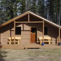 16 Mile Cabins, hotel em Dease Lake