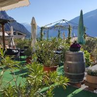 Casa Albergo Sorriso - Only Adults, hotel in Limone sul Garda