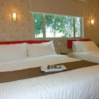 Carlsun Hotel, hotel near Senai International Airport - JHB, Kulai