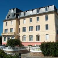Residence des Bains, hotel in Carantec