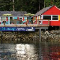 John Henry's Marina and Resort, hotel em Garden Bay
