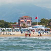 Hotel Happy, hotell i Marina di Pietrasanta