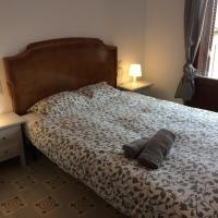 Cal Mestre, hotel in Castellfollit de la Roca