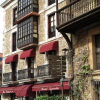 Hostal Esmeralda, hotel in Comillas