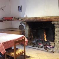 Casa in sasso - Pietra di Bismantova, hotel in Castelnovo ne' Monti