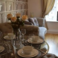 Luxury 2 bed Apartment, hotel in Witney