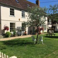 Home Farm House, hotel in Wimborne Saint Giles