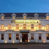 Downings Bay Hotel, hotel in Downings