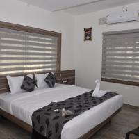 Suroor Tourist Home, hotel in Virajpet