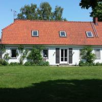 Villa Signedal Hostel, hotel in Kvidinge