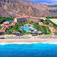 Fujairah Rotana Resort & Spa - Al Aqah Beach, отель в Аль-Аке