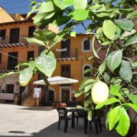 Case Albergo Al Cortiletto, hotel in Licata