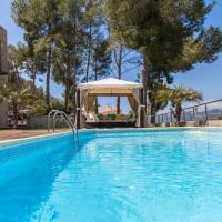 Villa Los Pinos, hotel a Olivella