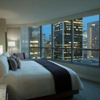 Vancouver Marriott Pinnacle Downtown Hotel, hotel in Coal Harbour, Vancouver