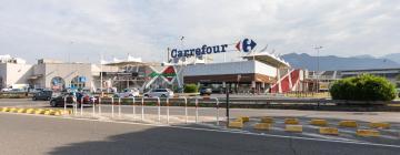Hotels near Mare Monti Shopping centre