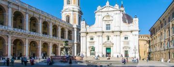 Hotelek a Santuario Della Santa Casa szentély közelében
