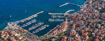 Пристань для яхт ACI Водице: отели поблизости