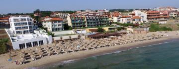 Хотели близо до Плаж Бамбу Бийч