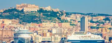 Molo Beverello: hotel