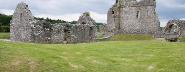 Hotels near Ogmore Castle