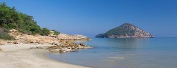 Hotels near Paradise Beach