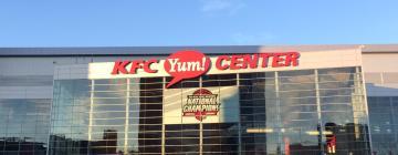 Hotels near KFC Yum! Center