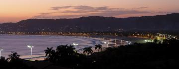 Hotels near Enseada Beach