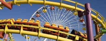 Six Flags Great America – hotely v okolí