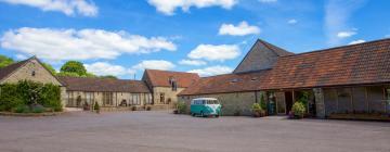Hotels near Kingscote Barn