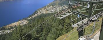 Hotels near Skyline Gondola and Luge