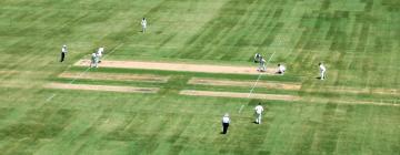 Hotels near Melbourne Cricket Ground