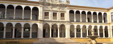 Hotels near Evora University