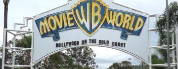 Hotellid huviväärsuse Warner Bros. Movie World lähedal